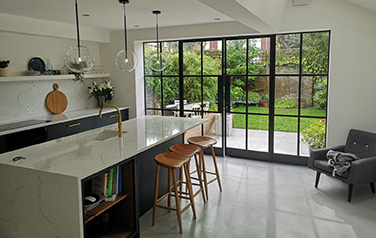 House renovation Kew TW9, Richmond, London, Kitchen extension Kew TW9, Crittal door, microcement, Kitchen installation, underfloor heating, decorating Kew TW9 Richmond sa2
